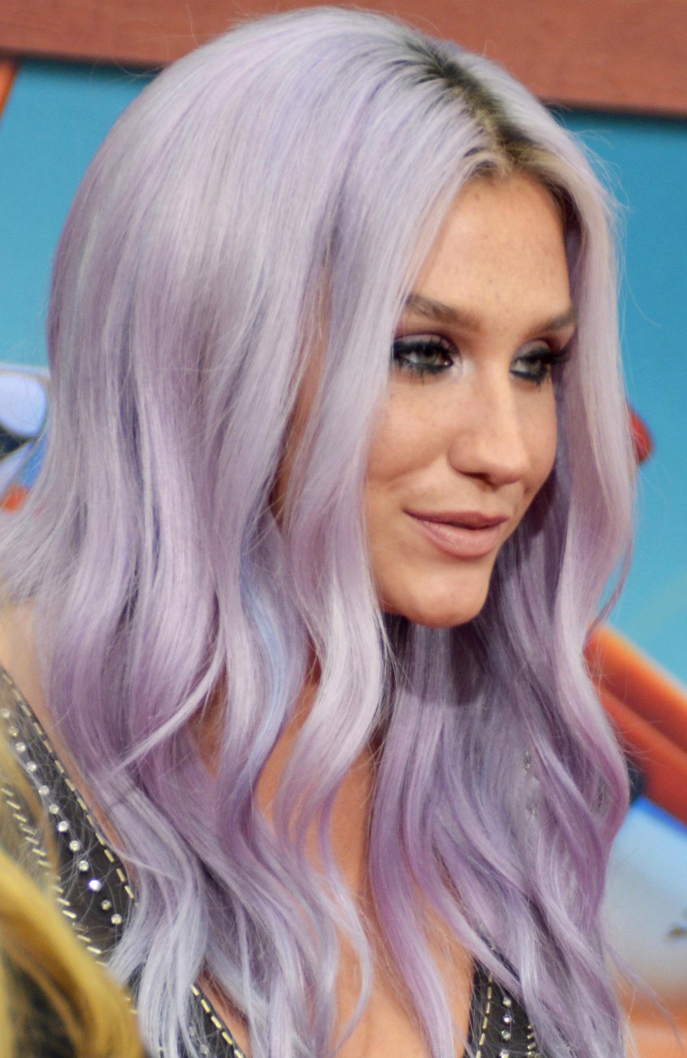 Kesha And Zedd Premiere New Song Modern Frequency - Kesha-no-makeup